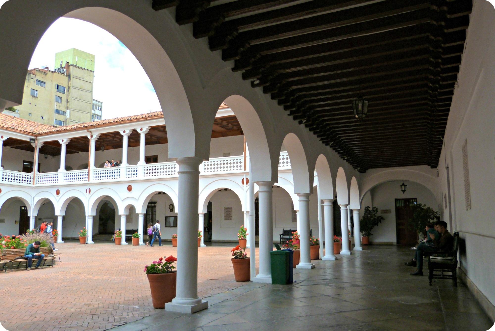 Couloir de l'université del Rosario de Bogotá