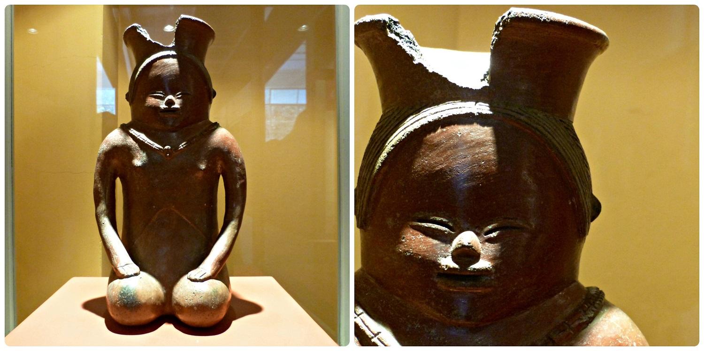 Estatua representando una mujer arodillada en el Museo Arqueológico de Manizales