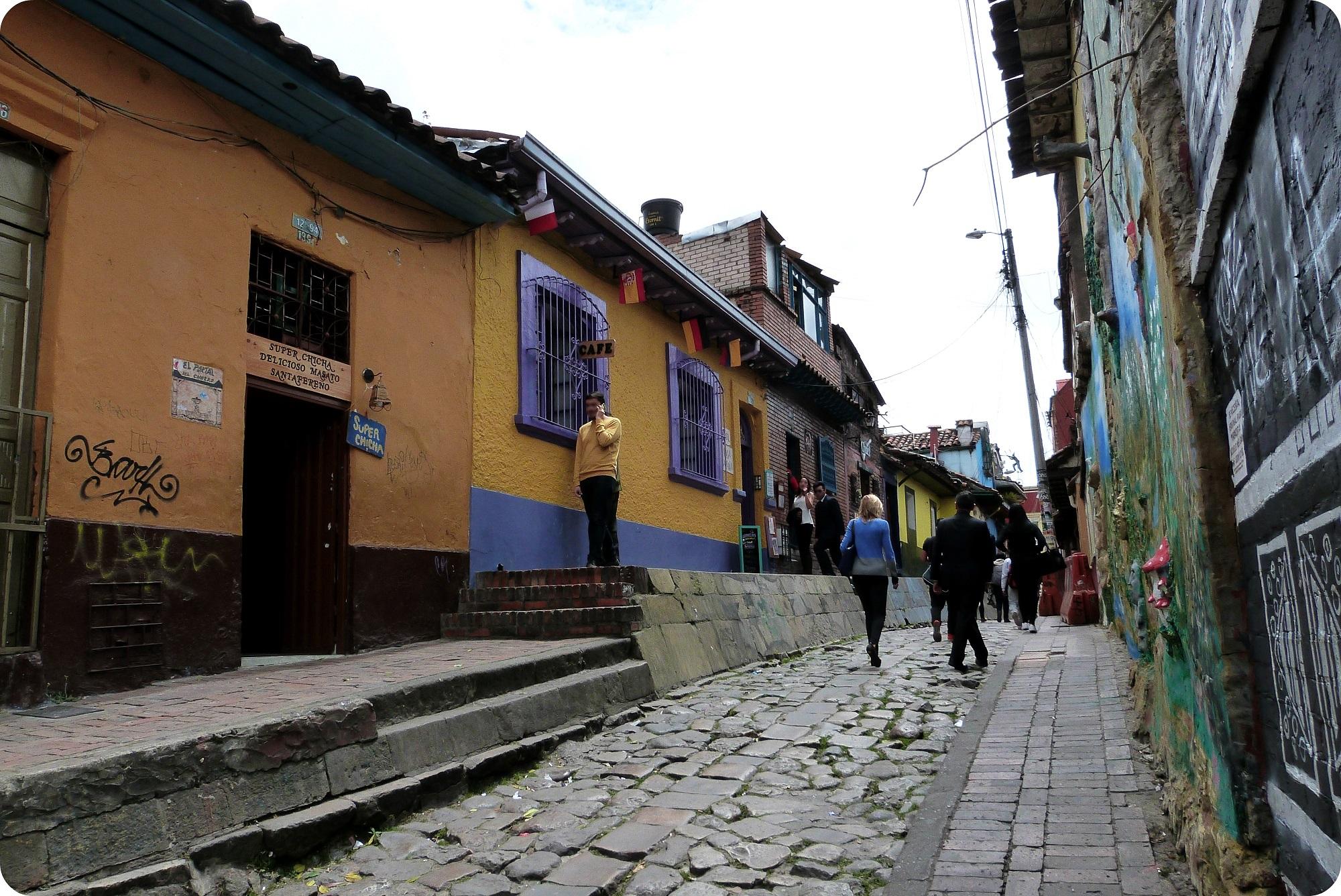 Rue du quartier de la Candelaria à Bogotá