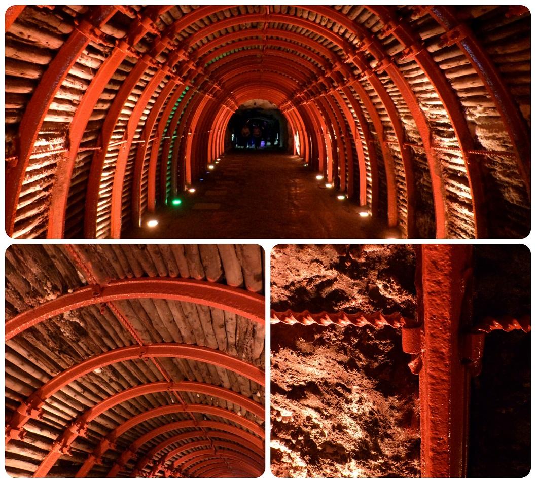 Structure rouge en fer forgé du tunnel de la cathédrale de sel de Zipaquira
