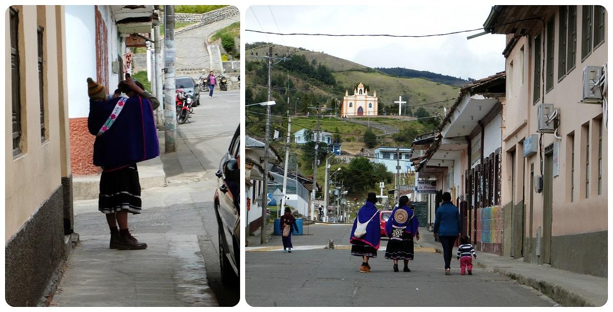 mujeres guambiano en una calle de Silvia
