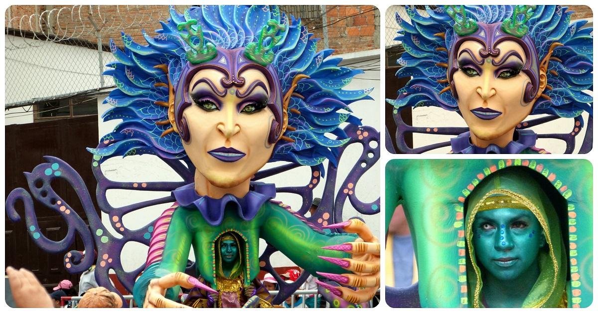 personaje de mujer con el cabello azul en el carnaval de Pasto