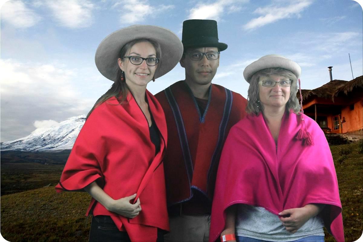 Nosotros 3 en traje ecuatoriano en el museo de la Mitad del Mundo de Quito